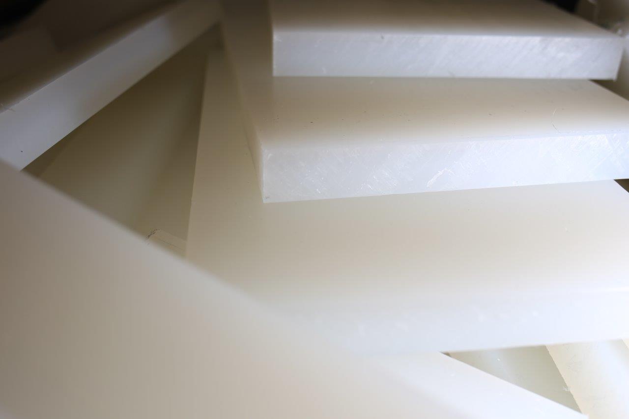 Полиэтилен РЕ-500 лист 2х1000х2000мм (белый/черный)