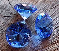 Кристалл стеклянный синий (диаметр 4 см)
