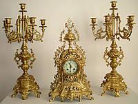 Старинные бронзовые часы  с канделябрами