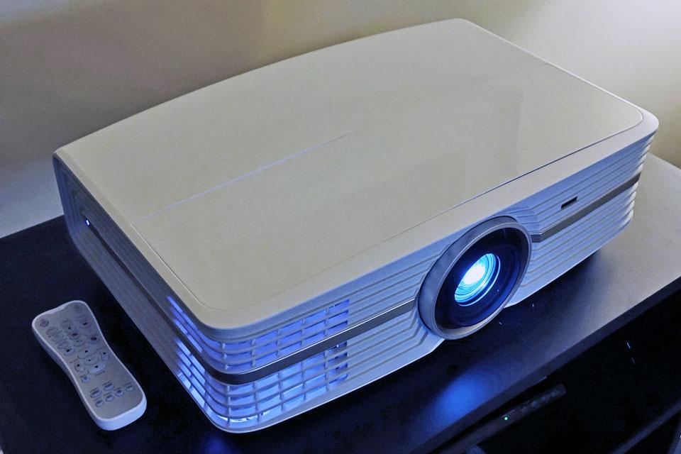 Optoma UHD60 4K UHD HDR проектор для домашнего кинотеатра: лучшая цена от  Студии звука и дизайна
