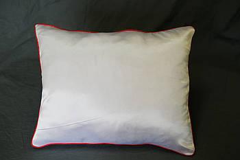 Подушка прямокутник кант червоний