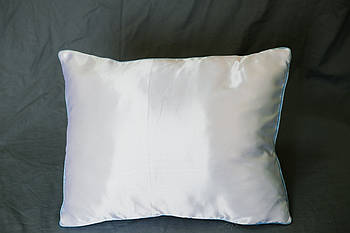 Подушка прямокутник кант блакитний