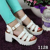 Босоножки женские белые тракторная платформа  балетки, женская летняя обувь