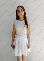 Элегантное подростковое платье с короткими рукавами и гипюровым верхом, молочное