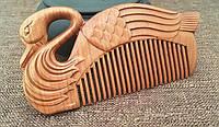 Натуральная расческа из дерева сандал Лебедь