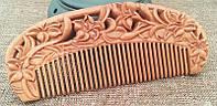 Сандаловая расческа для волос резная Лилии