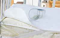 Непромокаемый наматрасник в детскую кроватку 120х60 см Белый