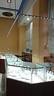 Верхний свет над ювелирными витринами, фото 1