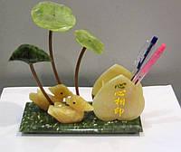 Сувенир подставка под ручки из камня