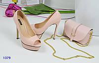 Туфли женские лаковые на шпильке и платформе