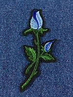 Нашивка Роза ветка с бутоном цвет голубой