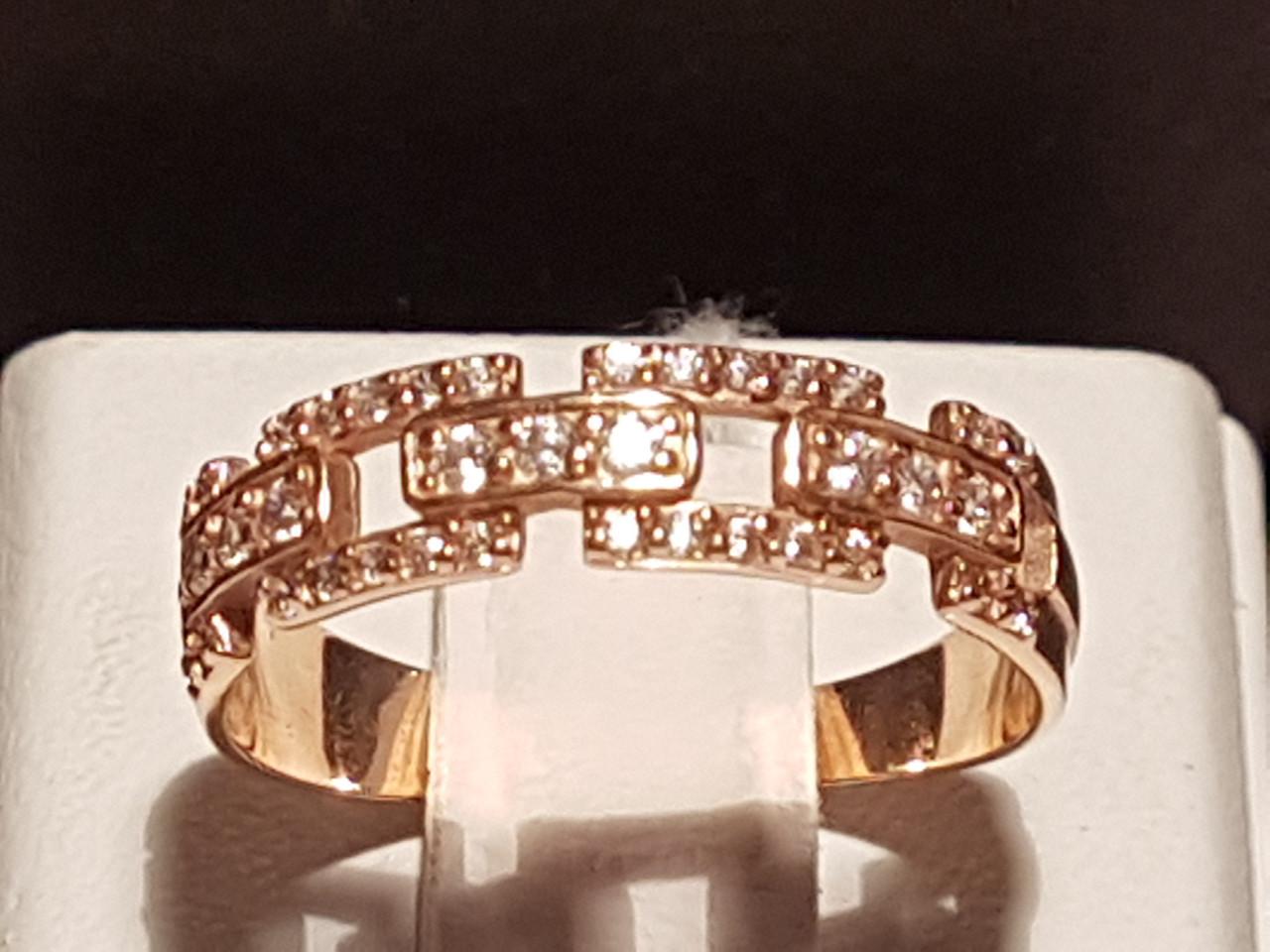 Золотое кольцо с фианитами. Артикул 380076 17,5
