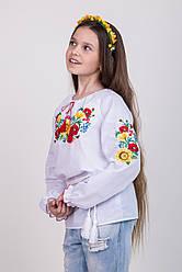 Вышитая блуза для девочки с чудесным нежным орнаментом