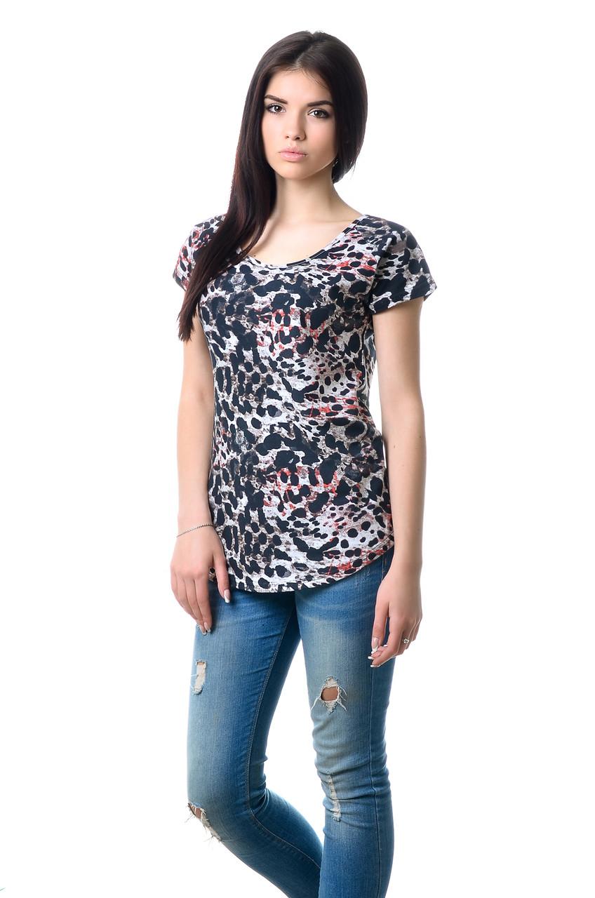 Ефектна жіноча футболка оригінального крою з яскравим принтом темно-сіра