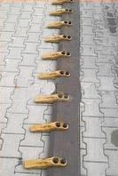 Нож ковша(режущая кромка) JCB 3CX 4CX 2450X200X20 ПОД 9 ЗУБОВ 500HB   123/05119