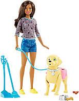 Набор кукла Барби брюнетка с любимцем на прогулке Barbie