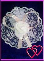"""Свадебные бутоньерки для свидетельниц на руку""""Роза в кружеве"""", цвета в ассортименте Бежевый"""