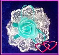 """Свадебные бутоньерки для свидетельниц на руку""""Роза в кружеве"""", цвета в ассортименте Бирюза"""
