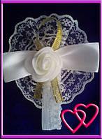 """Свадебные бутоньерки для свидетельниц на руку""""Роза в кружеве"""", цвета в ассортименте Золото"""