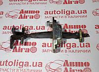 Ограничитель передней двери TOYOTA Rav4 (A20) 00-05 6861042040