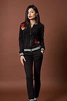 Модный женский спортивный костюм с вышивкой на кофте