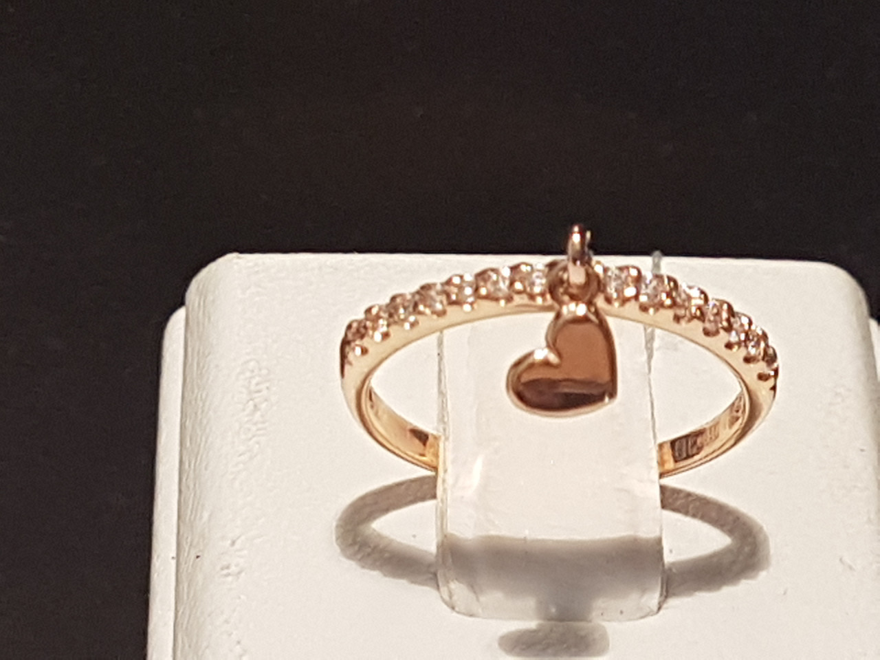 Золотое кольцо с фианитами. Артикул КВ933.3И