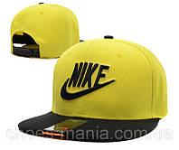 Кепка с прямым козырьком Nike Snapback black-yellow