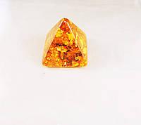 """""""пирамида"""" из янтарной смолы, коричневая большая"""
