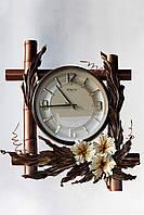 Часы настенные отделанные кожей и бамбуком