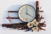 Большие настенные часы отделанные кожей и бамбуком