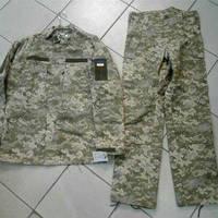 Камуфляжный полевой костюм