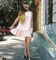 Платье свободного кроя с оборкой по низу