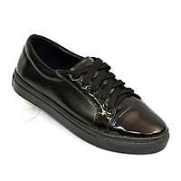 Женские черные туфли на утолщенной плоской подошве, натуральная кожа и лаковая кожа.