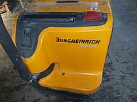 Штабелер электрический Jungheinrich EJC 220 с двумя батареями