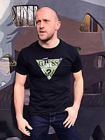 Футболка мужская  Guess зеленый, черная, мужские футболки