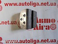 Упор сдвижной правой двери верхний левый MERCEDES Sprinter W906 06-17