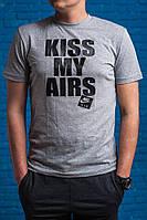 "Футболка мужская с принтом ""Kiss my AIRS"" серая"