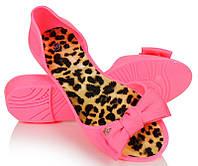 Резиновые женские балетки розового цвета