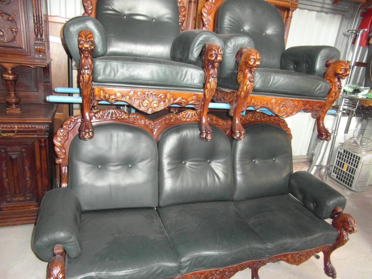 Комплект классической мягкой, кожаной резъбленной мебели! - Интернет-магазин Evroopt в Волынской области