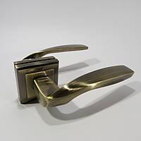 Ручка межкомнатная MONGOOSE H-890 AB (бронза)