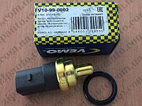 Датчик температуры охлаждающей жидкости Volkswagen T4 1.9D-TD   2.4D   коричневый 4 контакта   VEMO, фото 1