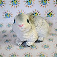 Садовая фигурка Зайчонок белый
