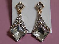 Серьги с большим квадратным белым камнем, металл под золото, застежка гвоздик, фото 1