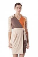 Платье на запах трикотажное под пояс, теплое, офисный стиль, молодежное кремовое