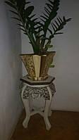 Столик,подставка под цветок.
