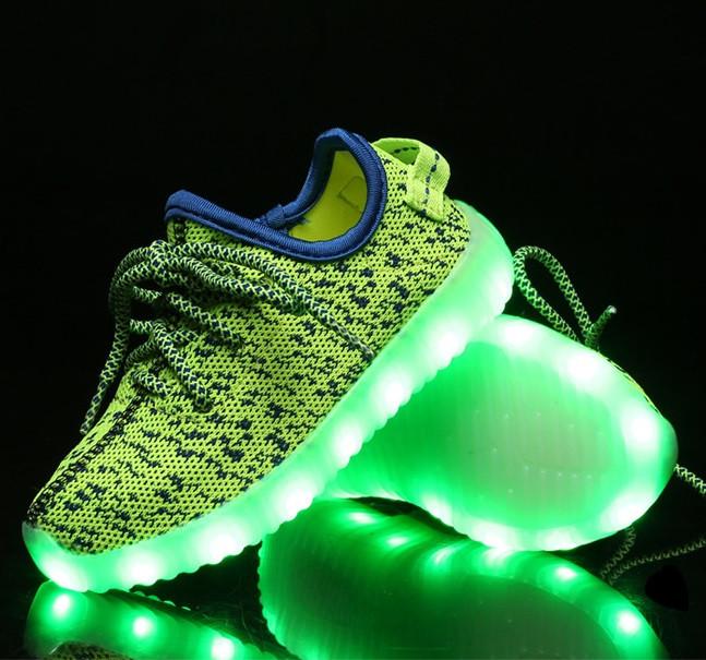 65b347fd Детские светящиеся кроссовки