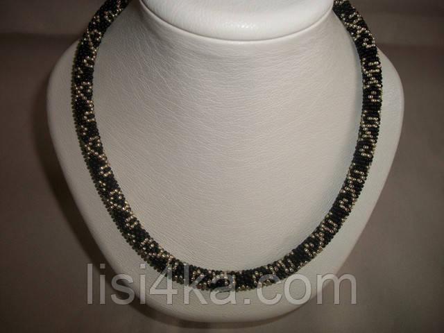 Вязаный из бисера узорный жгут черного цвета с золотистым узором