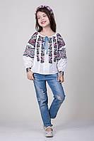 Вышитая блуза для девочки с необыкновенным орнаментом