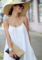 Модный сексуальный легкий сарафан из белого льна на тонких брителях расклешонный.