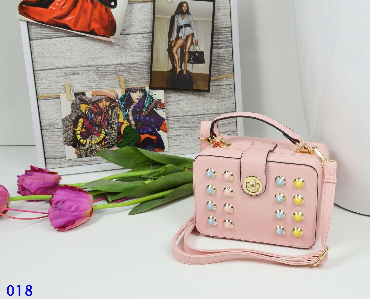 Сумка женская с декором шипами розовая, фото 1
